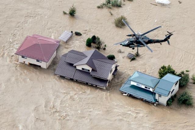 Nhật chạy đua tìm kiếm người mất tích sau bão Hagibis