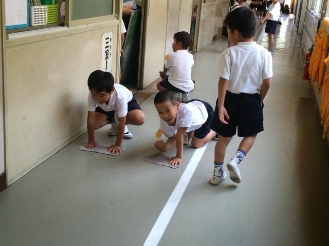 Vì sao trường học Nhật không có lao công vẫn sạch bóng?